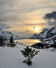 Ersfjord (John A.Hemmingsen) Tags: sunset sky sun reflection water clouds ngc nordnorge troms ersfjordbotn nikkor1685dx nikond7000