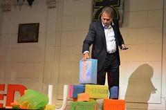 "Pablo Chami con la torre del emprendimiento en Efecto Emprendedor • <a style=""font-size:0.8em;"" href=""http://www.flickr.com/photos/65379869@N05/7125990893/"" target=""_blank"">View on Flickr</a>"