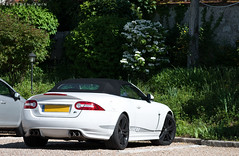 Jaguar XK-R Convertible (BenjiAuto (Ratet B. Photographie)) Tags: road white france green cars sport hotel nikon dof lotus bokeh parking gear convertible exotic british jaguar autos 1855 vignetting loirevalley luxury supercar bentley amboise astonmartin supercars xkr xj xk 55200 touraine xj220 xkrs d3000 ratet worldcars hypercars