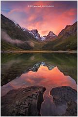 One Moment (Dylan Toh) Tags: autumn sunset newzealand lake reflection rock landscape photography dusk dee alpenglow lakemckenzie routeburn everlook earlandfalls thepowerofnow
