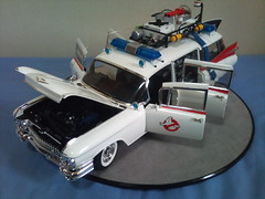 HOT WHEELS ELITE 1/18 GHOSTBUSTERS ECTO-1 (imranbecks) Tags: hot scale metal model wheels cadillac ambulance miller elite ghostbusters meteor 118 ecto diecast millermeteor ecto1