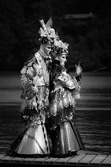 Semaine 19 : Parade des Rveries vnitiennes  Yvoire (lodebelvo) Tags: costume noiretblanc masque yvoire