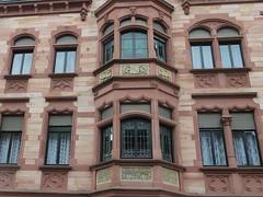 St. Ingbert (micky the pixel) Tags: building window germany deutschland fenster architektur gebude fassade saarland erker stingbert