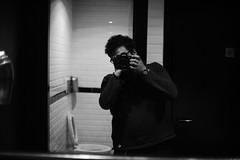 [Il Maniaco  dei Bagni] al Blanco (Urca) Tags: blackandwhite bw selfportrait self italia milano bn autoritratto biancoenero mir cesso 2016 dsc4293 barblanco nikondigitale ilmaniacodeibagni