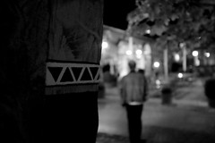 Symbol (stefankamert) Tags: stefankamert bw sw noir noiretblanc blackandwhite blackwhite schwarzweis symbol sign signs fujifilm fuji mirrorless x100 x100s lowlight availablelight highiso light night