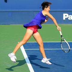 US Open 2010, New York - Jelena Jankovic (Srb) (Andy2982) Tags: newyork tennis cro srb secondround louisarmstrongstadium ustabilliejeankingnationaltenniscenter jelenajankovic usopen2010 mirjanalucic