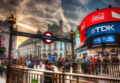 Friday Night, Piccadilly (Pete Halewood) Tags: piccadillycircus hdr nikond90 londonhdr photoshopcs5 petehalewood petehalewoodphotography petehalewoodcom piccadillycircushdr