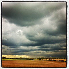 I think it is going to rain (Linda Cronin) Tags: light sky field weather clouds landscape countryside cloudy threatening stormy lullingstone iphone motifdchallengewinner friendlychallenges instagram