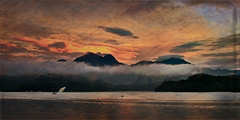 F_DSC1384-夕陽-Sunset-日月潭-Sun Moon Lake-南投縣-Nantou County-台灣-Taiwan-中華民國-Rep of China-Nikon D90-Nikkor 24-120mm-Kirsten Frank-Texture E2-Texture Raindrops (May-margy) Tags: sunset taiwan 夕陽 台灣 日月潭 sunmoonlake 南投縣 中華民國 nantoucounty nikkor24120mm nikond90 repofchina maymargy kirstenfrank 底紋後製 texturedpostprocessing texturee2 textureraindrops 廖藹淳
