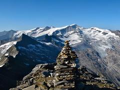 The classical view from the summit of Larmkogel (3022m) to the Grossvenediger group (echumachenco) Tags: austria österreich glacier summit gletscher cairn grossvenediger gipfel salzburgerland steinmann habachtal larmkogel oberpinzgau hollersbachtal flickraward flickrestrellas 3000er flickraward5 ringexcellence