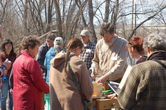 "Native Pollinator Workshop <a style=""margin-left:10px; font-size:0.8em;"" href=""http://www.flickr.com/photos/91915217@N00/13811074893/"" target=""_blank"">@flickr</a>"