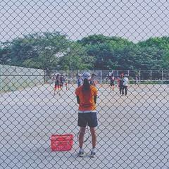 photo (shoji.k) Tags: sport back hangingout tenniscourt enjoyinglife snapshotsoflife myfavoritephoto iphoneography eyembestshots