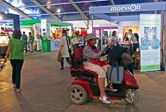Met de scootmobiel naar de Tong Tong Fair (FotoosVanRobin) Tags: denhaag ttf malieveld pasarmalam tongtongfair ttf16
