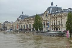 2016.06.02.044 PARIS - La Seine en crue et le muse d'Orsay (alainmichot93 (Bonjour  tous)) Tags: paris france seine eau ledefrance gare muse fleuve musedorsay crue laseine 2016