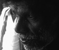 Old timer ([PKPC]) Tags: old morning portrait people blackandwhite bw india photography photo image noiretblanc retrato portrt gaze pretoebranco tamil kanchi   enblancoynegro effigies kancheepuram pkpc  schwarzundweis nigrumetalbum praveenkumarpalanichamy pkpcphotography pkpcwork