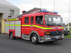 Offaly Fire & Rescue Service / OY 15 A2 / 02-OY-305 / Mercedes Atego / WrL (Nick 999) Tags: blue rescue water fire lights mercedes oscar call 15 02 vehicle service ladder alpha emergency yankee a2 firefighters oy 999 305 birr offaly callsign lightbar atego wrl offalyfirerescueservice