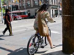 IMG_9294 ('Xander @416cyclestyle) Tags: street city toronto college bike bicycle bag style cycle biking chic citizen bikingtoronto changeyourliferideabike 416cyclestyle cycletoronto