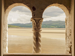 Portmeirion Tower View (*charlie-75*) Tags: beach window wales different view perspective arches portmeirion arched dwwg