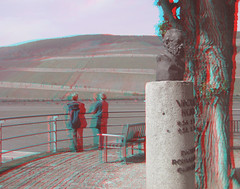 Two visitors and Victor Hugo (katyfernleigh) Tags: 3d anaglyph stereo spm twincamera ixus70 sdmsync