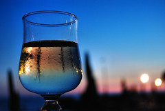 Have you ever drunk a sunset? (Sante sea) Tags: friends italy glass italia wine amici vino bicchiere osteriedifuoriporta