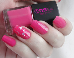 Gaga Pink, NS Star + Fuchsia Glitter, Kleancolor (brunajust) Tags: pink glitter nail rosa nailpolish esmaltes esmalte pinknail glitternails kleancolor nsstar unhafilhaúnica