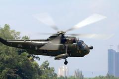 berdesup di udara! (kepala ular) Tags: helicopter hut malaysia nuri rotating subang sikorsky tudm