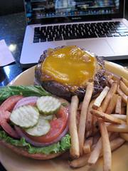 IMG_5349 (hector.acuna) Tags: arizona food usa phoenix lunch cuisine eating burger az cheeseburger fries hamburger dining foodie hectoracuna foodista