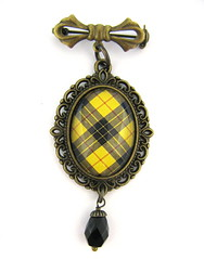 Ancient Romance Series - Scottish Tartans Collection - MacLeod of Lewis Clan Tartan Bow Pendant with Onyx Czech Glass Charm
