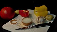 Coadjuvantes de primeira linha (Andr Felipe Carvalho) Tags: pimento vermelho amarelo gastronomia vinho tomate cozinha cebola alho culinria bacalhau fcil