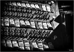 Orgel Villa Berg - Stuttgart (markuswandrack) Tags: detail berg studio stuttgart kirche villa instrument musik schwarz sender orgel historisch swr weis musikinstrument tasten sendestudio metzstrase