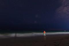 En la inmensidad del cielo 19/52 (Adrin Cceres) Tags: longexposure nightphotography sea sky seascape beach water stars sand