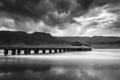 Hanalei pier of Kauai, Hawaii in Black&White (PIERRE LECLERC PHOTO) Tags: longexposure travel sea blackandwhite landscape hawaii pier pacificocean kauai hanaleipier hanalei hanaleibay pierreleclercphotography