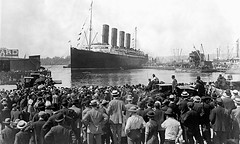 Crowds watch the Lusitania leaving New York on its fatal last voyage. Torpedoed and sunk on this day, 100 years ago. (New York, NY 05/01/2015) [2060x1236] ... #HistoryPorn #history #retro http://ift.tt/28Jppdu (Histolines) Tags: voyage new york ny history its last leaving this day watch retro timeline ago years 100 sunk crowds fatal lusitania vinatage torpedoed historyporn 05012015 histolines 2060x1236 httpifttt28jppdu