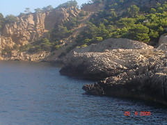 Ibiza (beatrizsb96) Tags: cliff ibiza turismo vegetacin relieve marmediterrneo acantilados erosin orografa hidrologa geografafsica