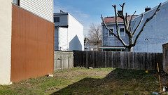 Back yard Lawrenceville (real00) Tags: city urban abstract fence landscape backyard pittsburgh pennsylvania neighborhood geometrical lawrenceville urbanlandscape westernpennsylvania 2000s 2016 alleghenycounty 2010s pittsburghregion willreal williamreal lawrencevillepittsburghpa