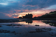 Bali - Tanah Lot (claudecastor) Tags: travel sunset sea bali rot nature water sunrise indonesia landscape temple asia asien meer southeastasia sdostasien wasser sonnenuntergang religion natur hindu landschaft sonnenaufgang indonesien reise tempel tanahlot hunduism hindusimus