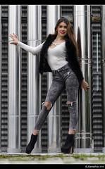 Gabriela - 1/6 (Pogdorica) Tags: sexy chica retrato modelo tacones gabriela sesion vaquero posado