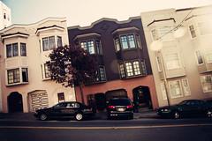 1437 Union St (Leighton Wallis) Tags: sanfrancisco california road ca street houses usa cars unitedstatesofamerica pedestrian hills lean