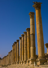Colonnaded Street  Roman Ruins, Jerash, Jordan (Eric Lafforgue) Tags: history archaeology stone architecture outdoors temple photography ancient day arch roman religion middleeast bluesky nobody nopeople jordan arabia column custom ancientcivilization thepast jerash jordanien jordanie jordania 137 antiquities placeofworship romanruins templeofartemis ancientrome gerasa  giordania traveldestinations colorimage antoninuspius  hashemitekingdomofjordan buildingexterior romancity oldruin jarash  jordani rdn internationallandmark lowangleview alurdun mediterraneanculture jordnia thecardo colonnadedstreet  yordania colourpicture  iordania   middleeasternculture jordnsko