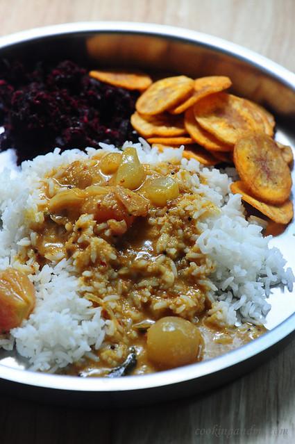 Chinna Vengaya Vatha Kozhambu Recipe