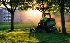 Lawn moving, Salabackar, Uppsala (Ulf Bodin) Tags: summer green sol fog backlight work sweden smoke lawn uppsala lawnmower sverige arbete träd sommar dimma motljus rök gräsklippare klippagräs uppsalalän salabacke canonef70200mmf28lisiiusm
