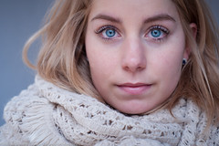 A stranger #00 (Michael Echteld) Tags: portrait netherlands 50mm michael natural bokeh blueeyes naturallight stranger blonde groningen portret minolta50mmf17 vreemdeling echteld sonya700 sonyalpha700 michaelechteld geraldemming 30secondsproject