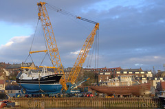 Launching Guiding Star (yogi59) Tags: new england mobile river star marine britain crane yorkshire united great north kingdom east whitby 1200 hull launch build trawler ton guiding esk sarens gottwald parkol h360 ak6803