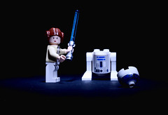 Oupsss (J@y C) Tags: canon toys actionfigure 50mm star robot starwars lego sabre princessleia carriefisher r2d2 wars jouet legostarwars leia britneyspears jyc jouets organa sabrelaser canon50mmf18ii drode jaicachmasignature aldorande