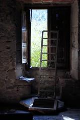 Desorientacin (SantiMB.Photos) Tags: windows espaa abandoned geotagged ventana escalera ladder tamron 18200 esp abandonado cataluna sortidazz monistroldecalders kodakektachromemid1970 geo:lat=4178029492 geo:lon=203105181