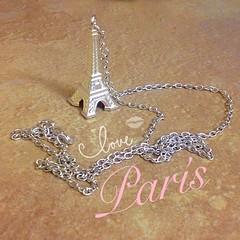 C'est le amour (shaisantamar) Tags: paris france eiffeltower eiffel torreeiffel collar francia pars cadena lovepars