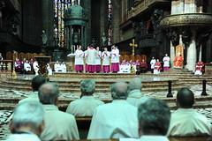Venerd Santo, Passione in Duomo (Angelo Scola) Tags: italy milano duomo passione cardinale arcivescovo venerdsanto celebrazionevespertina