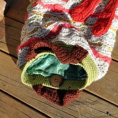 Crocheted handbag with Red Flower: back (Kiwi Little Things) Tags: flower handmade crochet handbag wavestitch