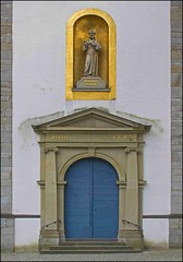 historic city center Neviges 5 of 5 (- Carsten -) Tags: door city colour building church wall architecture digital buildings deutschland gold downtown catholic wand details historic ornaments architektur alemania nrw baroque altstadt tyskland allemagne tr velbert barock nordrheinwestfalen kloster alemanha duitsland historisch ornamente 1778 neviges farnziskaner