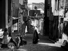 Black Burka, Balat - Istanbul (adde adesokan) Tags: turkey europe olympus istanbul trkei burka m43 mft mirrorless microfourthirds mirrorlesscamera